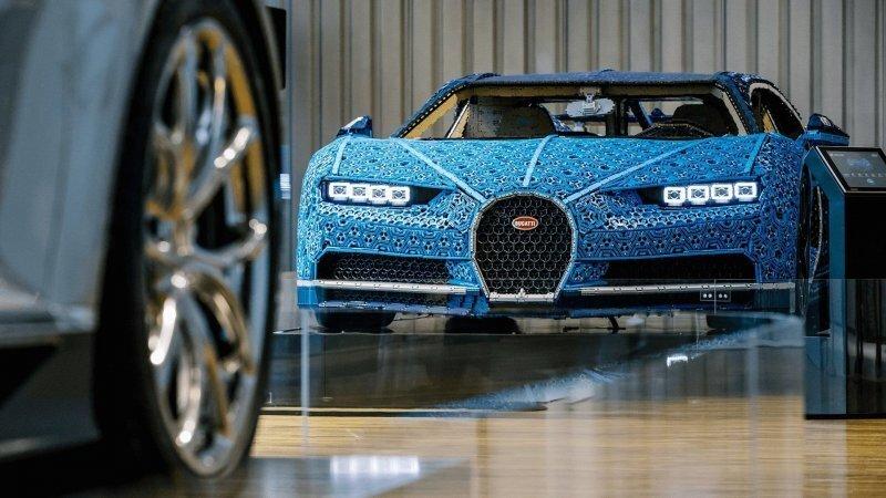 В стиле кубизм. Как построить ездящий Bugatti Chiron из Lego