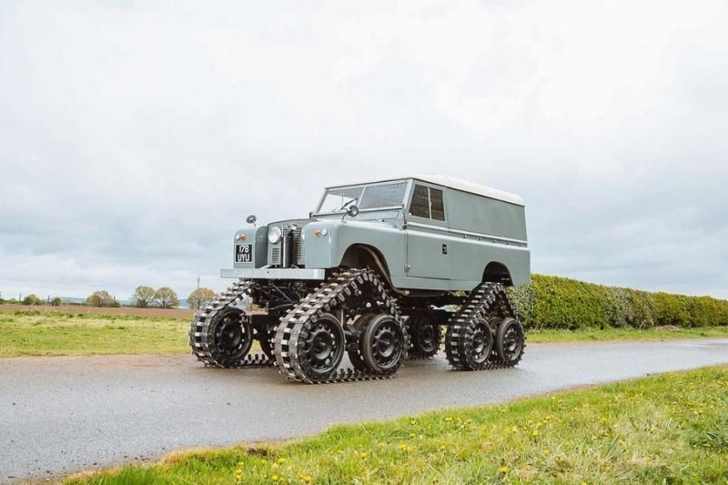 Cuthbertson: очень редкий Land Rover Series II на гусеницах