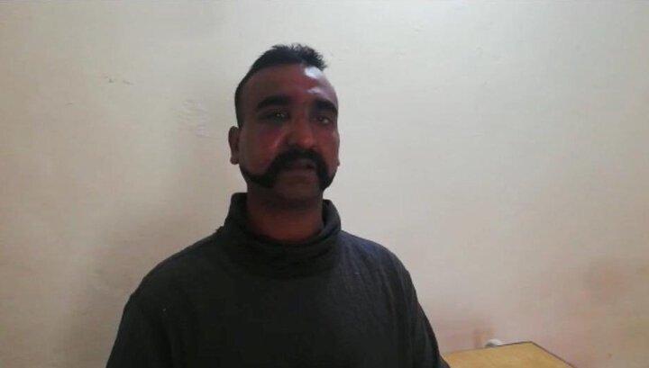 Пакистан отдал Индии пленного пилота