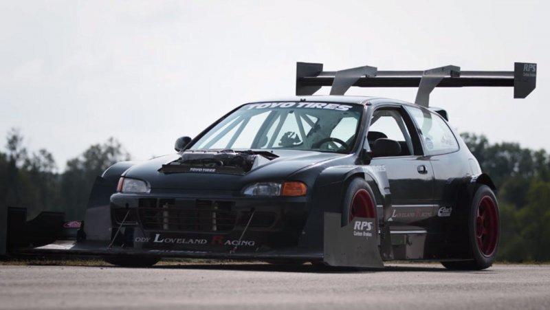 Honda Civic с невероятными аэродинамическими элементами