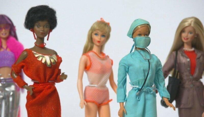 Вечно молодая: легендарной кукле Барби исполнилось 60 лет