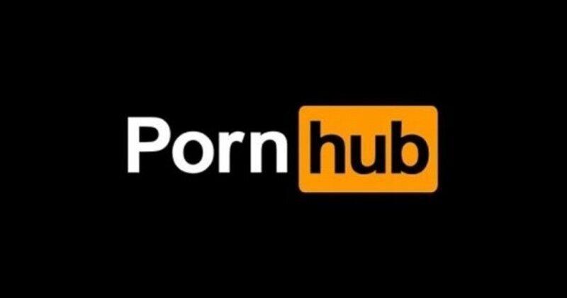 PornHub нажился на несчастьях Facebook