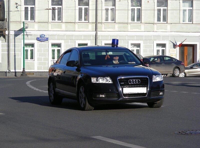 Почему чиновникам положены дорогие авто: теперь мы знаем ответ