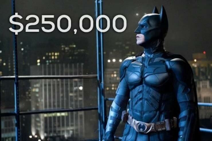 Костюмы супергероев из фильмов были проданы за бешеные деньги, и вот сколько они стоили