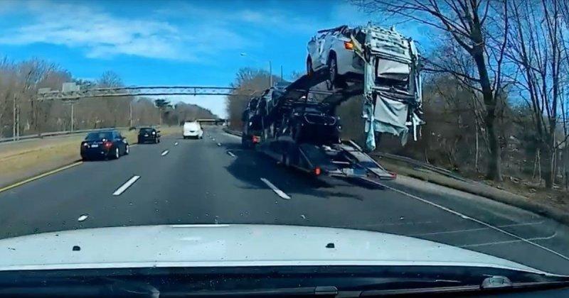 Сорвало крышу: автовоз не проехал под эстакадой