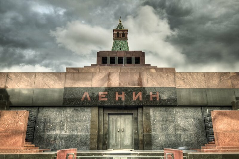 ЦИК России получил предложение захоронить Ленина к 150-летию