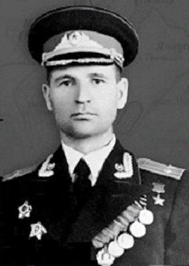 Герои Советского Союза. Гусев Максим Тихонович