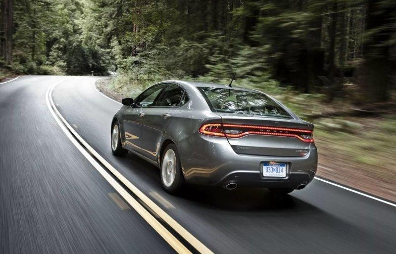 Ошибка маркетологов: в США компания Dodge продала всего 3 новых автомобиля Dart за месяц