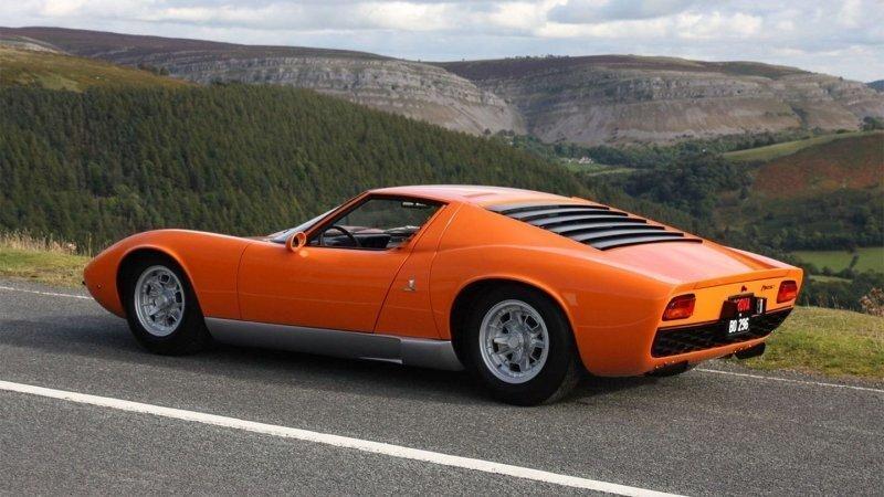 """Оригинальный восстановленный Lamborghini Miura из фильма """"Ограбление по-итальянски"""""""