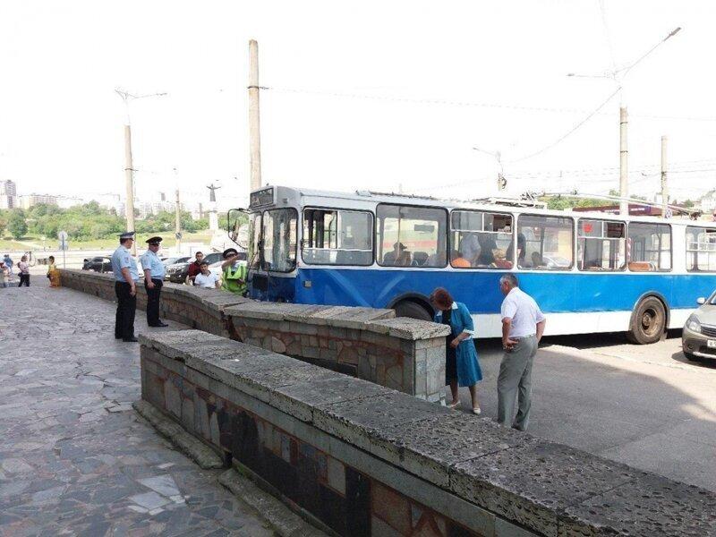 Троллейбус без тормозов в Чебоксарах