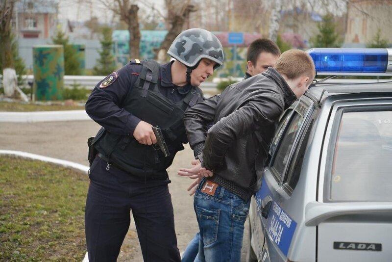 На сколько могут задержать в полиции?
