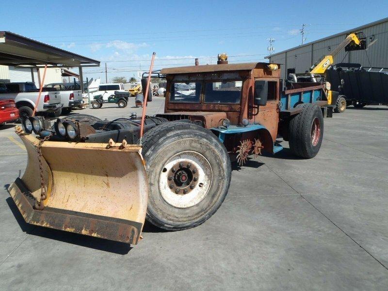 Сумасшедший рэт-род с дизельным двигателем на базе школьного автобуса