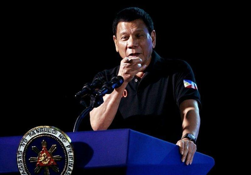 Филиппинский президент заявил, что новая женщина спасла его от гомосексуализма
