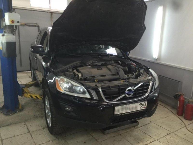 Автослесари забыли под капотом тряпку и теперь должны клиенту новый двигатель