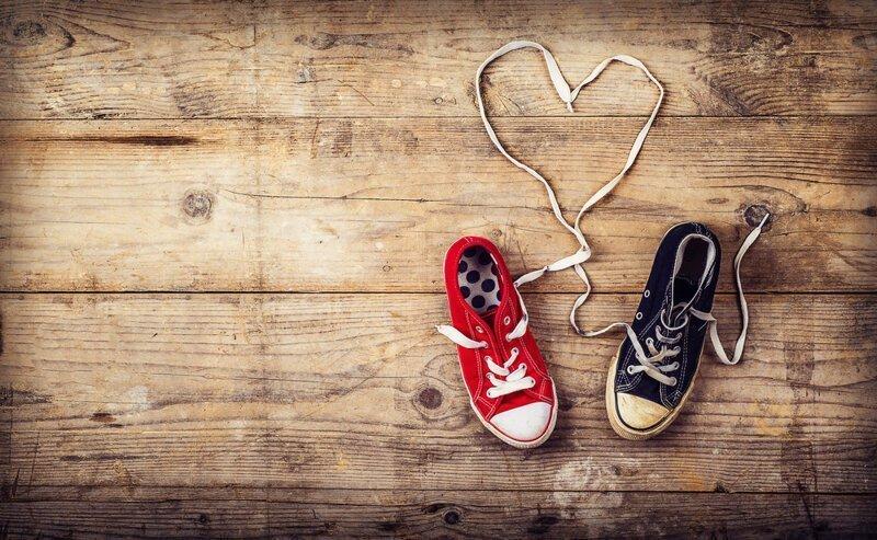 Почему спортивную обувь из ткани с резиновой подошвой называют кедами?