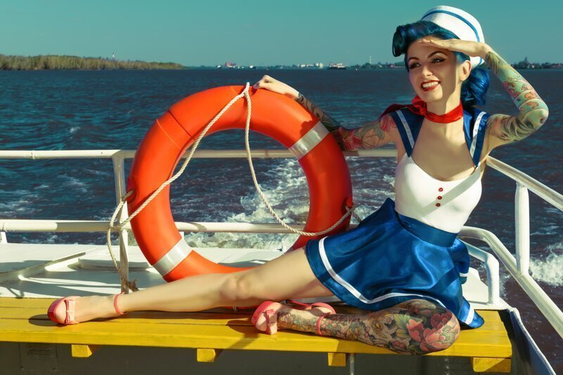 Почему женщина на корабле плохая примета?