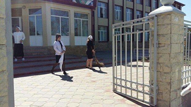 В грозненской школе ученики подрались с полицией во время ОГЭ