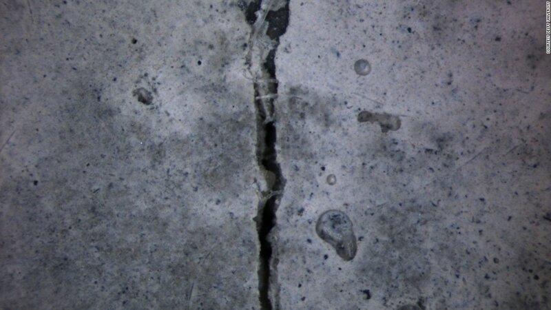 """Микробиолог создал самовосстанавливающийся """"живой"""" бетон"""
