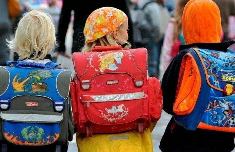 Российские школьники скоро забудут про тяжелые ранцы