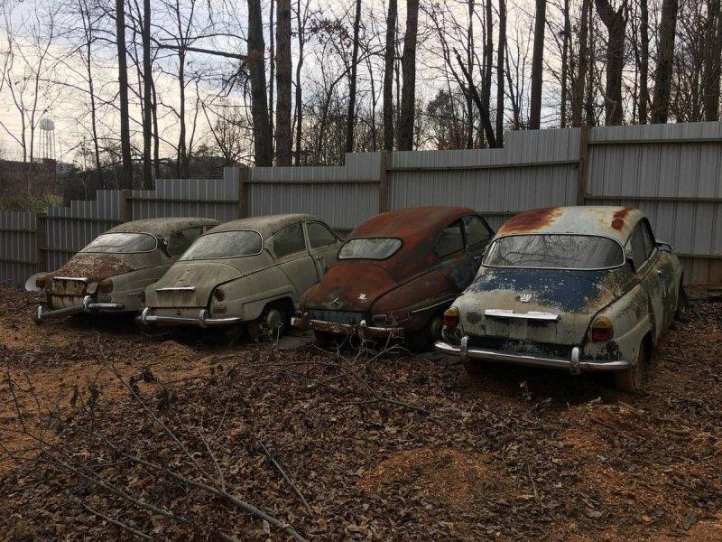 На продажу выставили целую коллекцию редких классических автомобилей SAAB