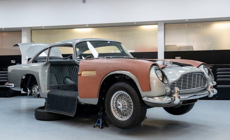 Aston Martin как у Бонда. Джеймса Бонда