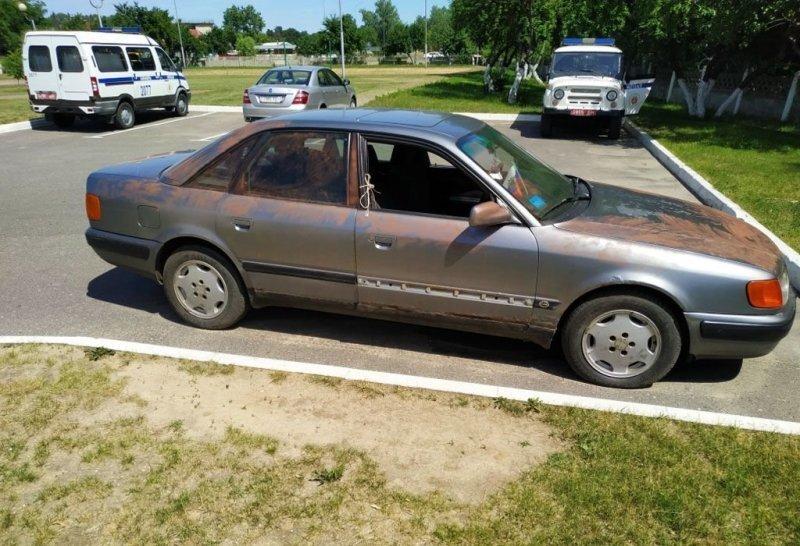 Белорусские школьники отремонтировали чужую машину и угнали её