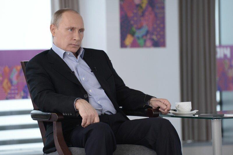 Путин рассказал, как в России относятся к геям и лесбиянкам