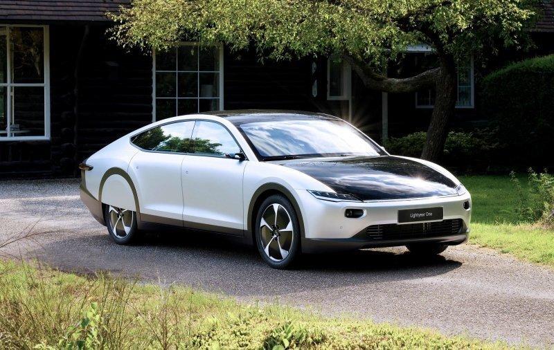 Lightyear One: в Нидерландах представили электромобиль с солнечными панелями