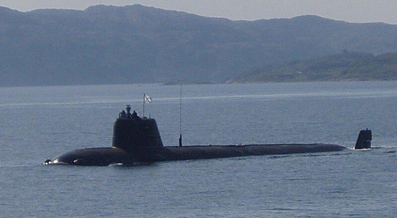 """На засекреченной атомной подлодке АС-12 """"Лошарик"""" погибли 14 подводников"""