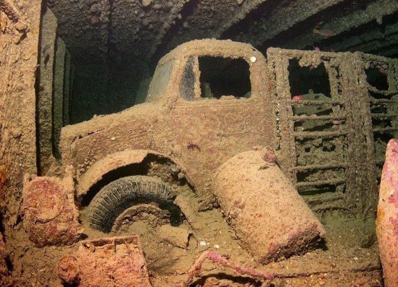 Как выглядят грузовики и мотоциклы, которые с 1941 года затоплены на дне Красного моря?
