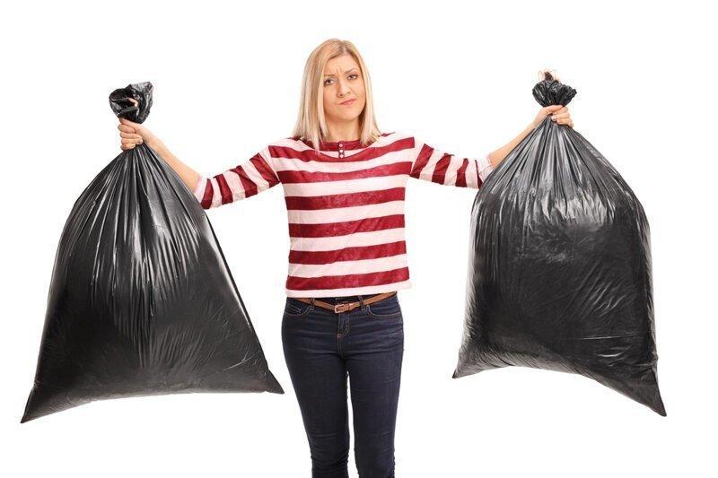 Почему нельзя выносить мусор после захода солнца?