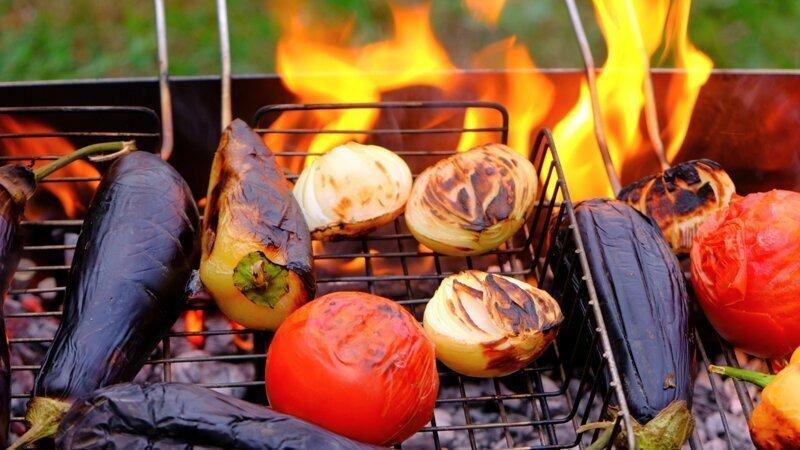 Кавсказский аджапсандал - теплый салат с баклажанами, томатами и перцем