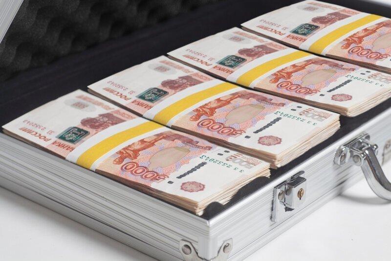 Росстат подсчитал число россиян с зарплатой выше миллиона рублей