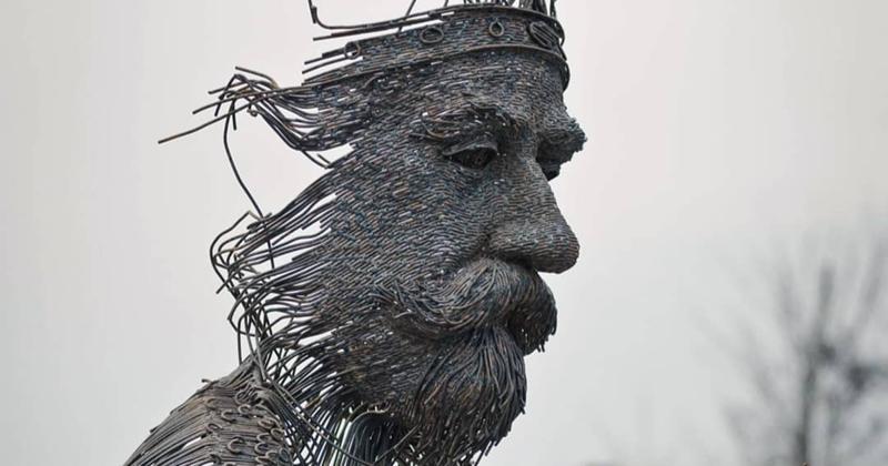 Румынский скульптор варит портреты из металла