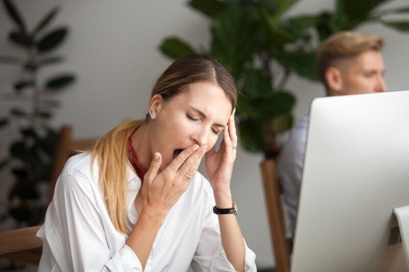 Почему люди зевают, когда другие зевают?