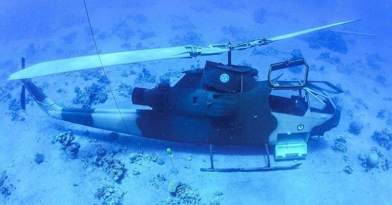 Приманка для туристов: военную технику затопили в Красном море