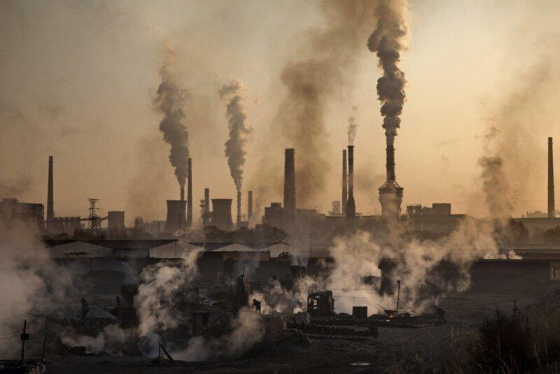 Подпольный сталелитейный завод в Китае