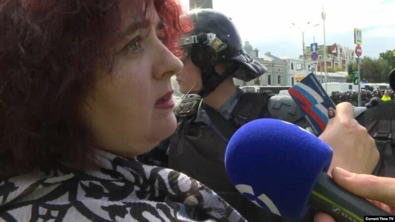 Член «Единой России» вышла из партии после задержания мужа на митинге