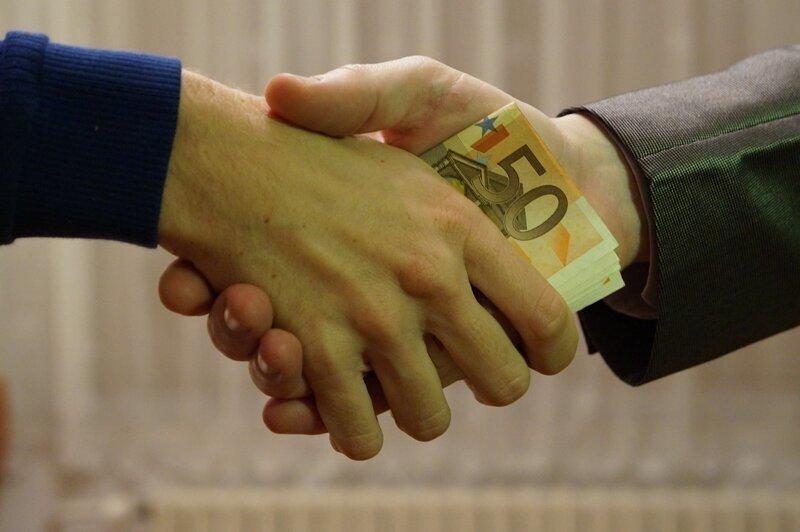 Почему нельзя давать в долг?