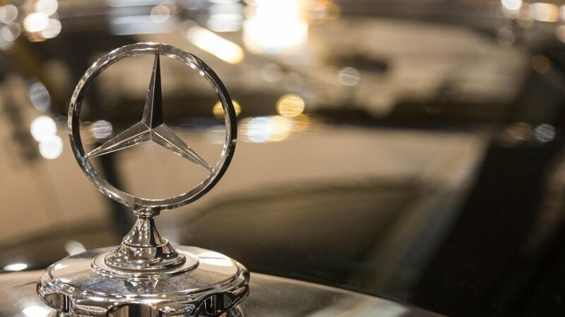 Почему компания Mercedes-Benz так называется?