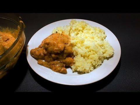 Вкусная и ароматная свинина в сметанном соусе