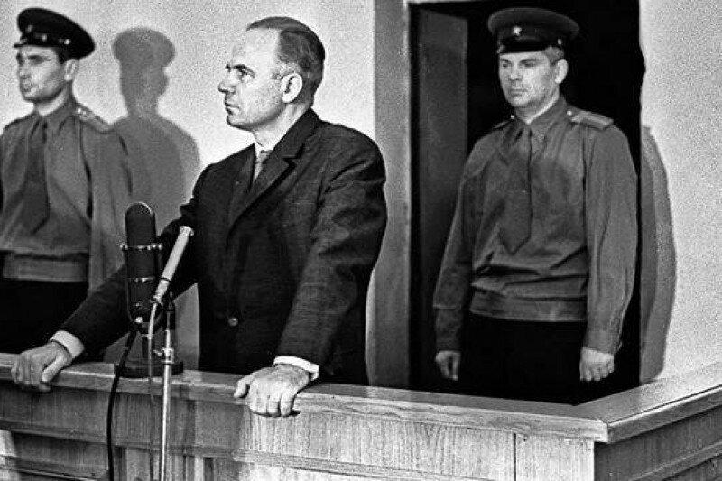 Проклятые герои. За что лишили геройских звезд маршала Варенцова и генерала Серова?