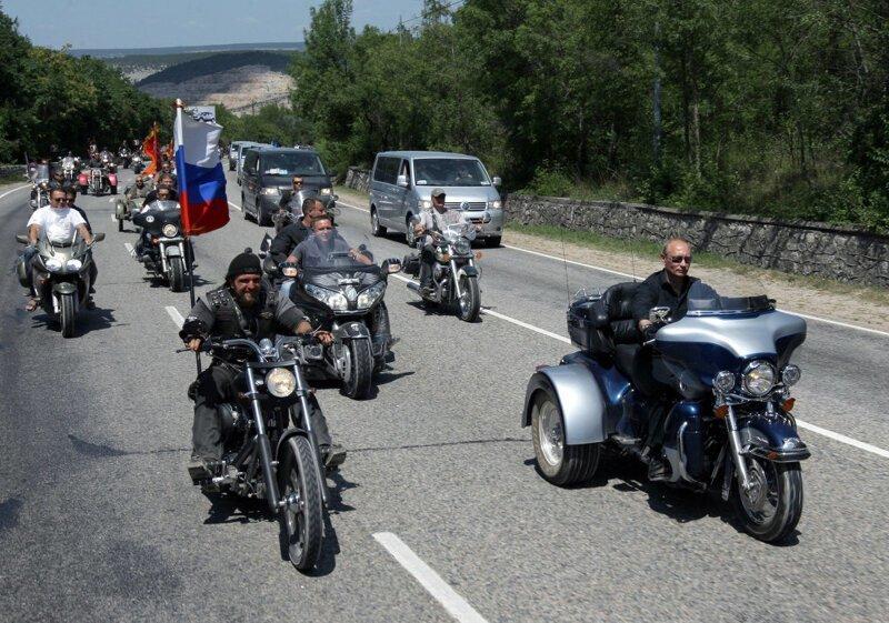 Дорога эта нужна России для связи с ее военными базами на территории Армении