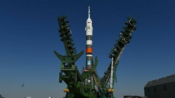 Россия впервые запустила в космос робота