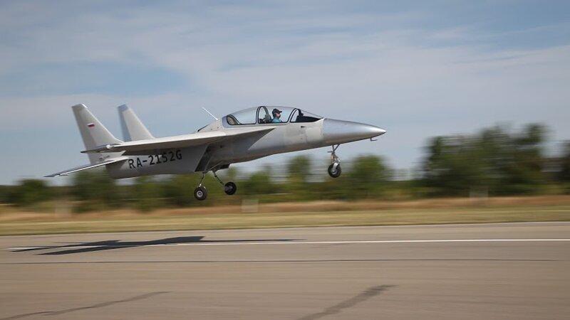 Россия показала самолет на двигателе от автомобиля