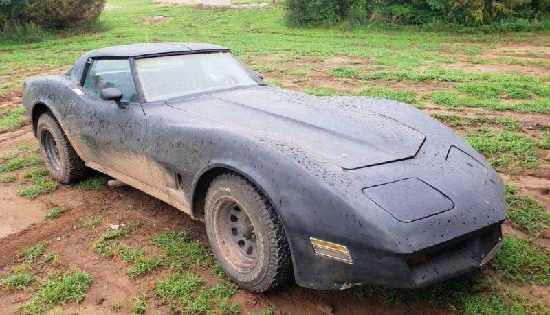 Канзасский фермер построил дизельный внедорожный Corvette