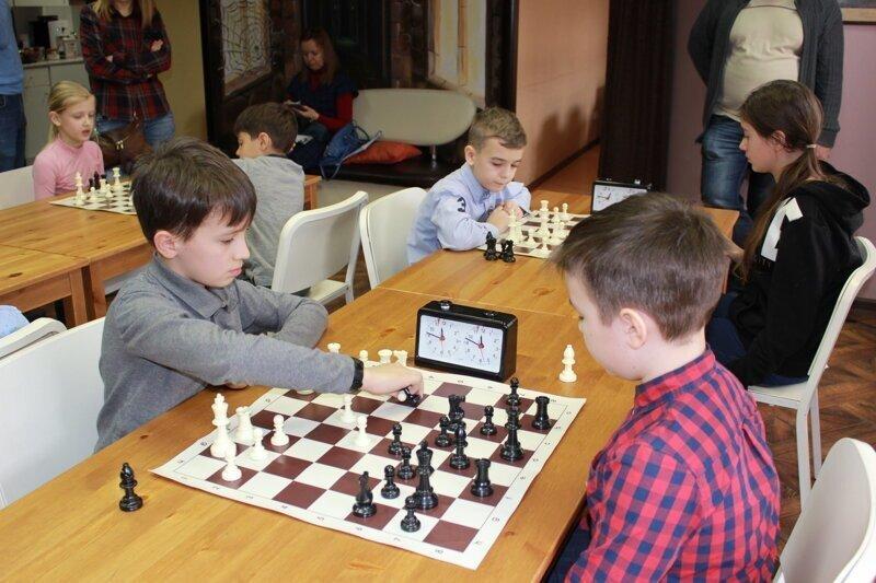 С 1 сентября учащихся младших классов в обязательном порядке будут обучать игре в шахматы