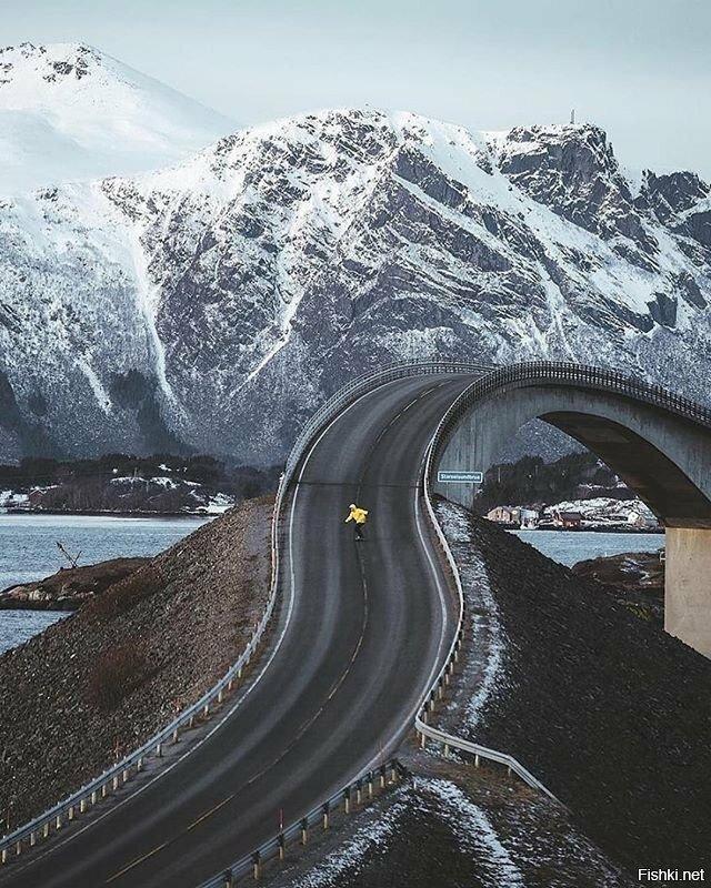 Оригинальный мостик в Норвегии
