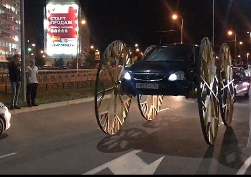 В Краснодаре появилась самая высокая в мире «Приора» на гигантских самодельных колесах