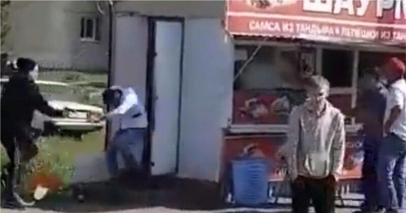 Привет из 90-х: нападение на продавца шаурмы в Рязани